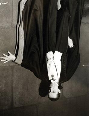 Bela Lugosi als Dracula in dem 1931 Film Vampire- Upsidedown