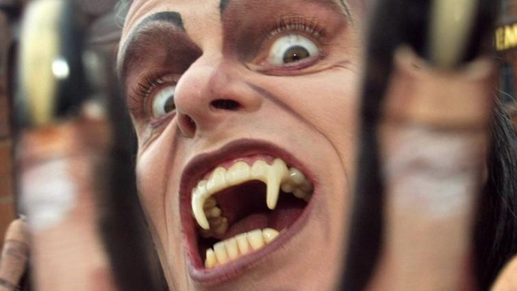 Der Deutschlandfunk über Vampire: DieMaskerade