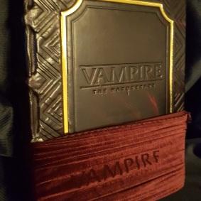V5 Luxury Edition halb in ihrer Hülle Vorderseite