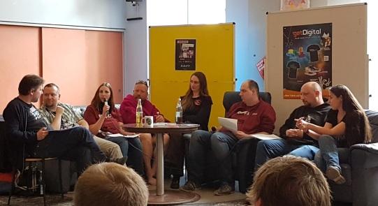 Main Würfel Convention - Podiums Diskussion im Cafe Dom@in