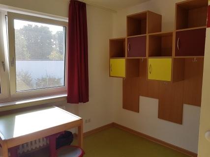 """NerdCon - """"Mein"""" Zimmer, Fenster und Abstellbereich (nach 3 Tagen)"""