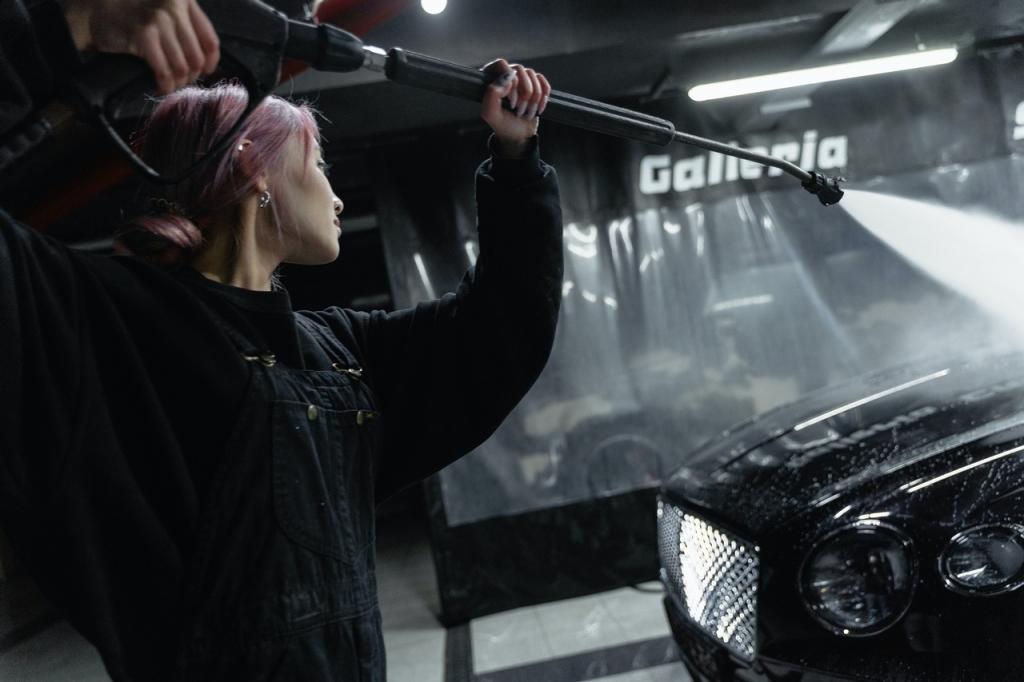 World of Darkness - Stories - 14 - 📸 Tima Miroschnichenko, @tima_miroshnichenko - Frau wäscht Auto